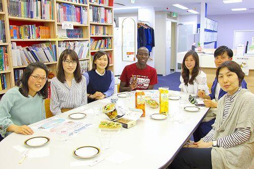 【レポート】4月22日(土)のスピカフェは日本語教師のNZ人女性と九大で研究中のタンザニア出身の男性でした