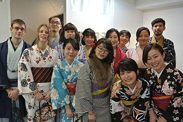 volunteer_kimono